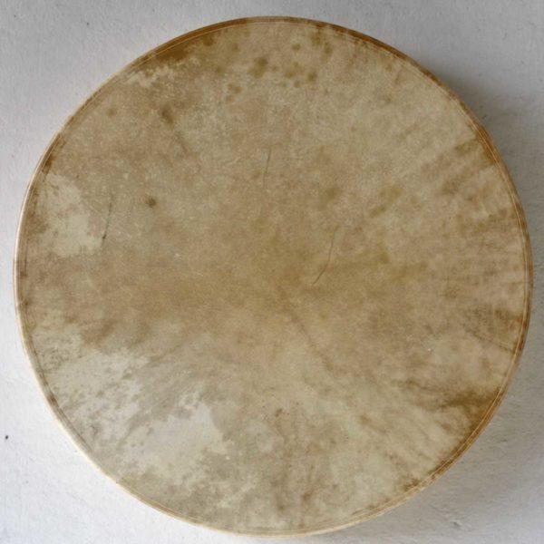 playing-shamandrum-spirit-drum-shamaanirumpu
