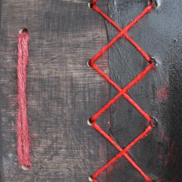shamandrum-kannus-shamaanirumpu-soittaa-rumpua